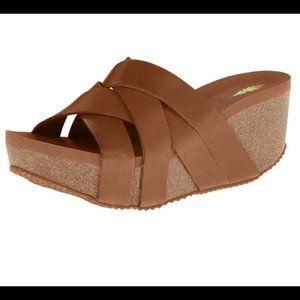 Volatile Mayfield Cognac Wedge Sandals